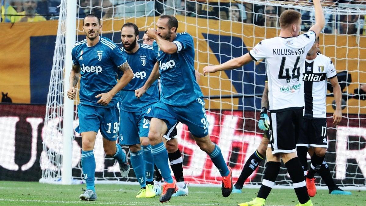 Parma-Juventus 0-1: decide Chiellini, i bianconeri partono bene