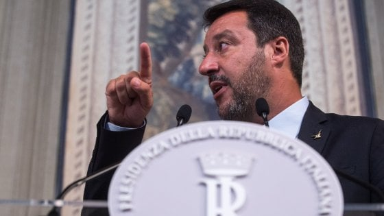 Salvini paga la crisi di governo: sondaggio, Lega in calo. Per gli elettori del M5s l'intesa con il Pd è debole