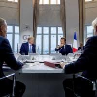 """G7, Trump e Macron """"quasi amici"""". E al vertice arriva il ministro di Teheran"""