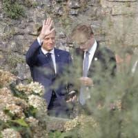 """G7, ultimo giorno: Macron e Trump chiudono il vertice. Il presidente Usa: """"Presto per..."""