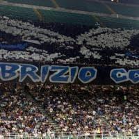Inter-Lecce, curva nerazzurra fa coreografia su Diabolik, l'ultrà laziale ucciso