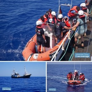 """Nuovo naufragio al largo della Libia: """"Almeno 40 morti annegati, tanti erano bimbi"""""""