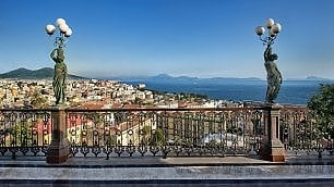 Napoli. 4 passi nel liberty