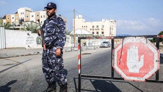 Esplosioni a Gaza: tre poliziotti uccisi e diversi feriti