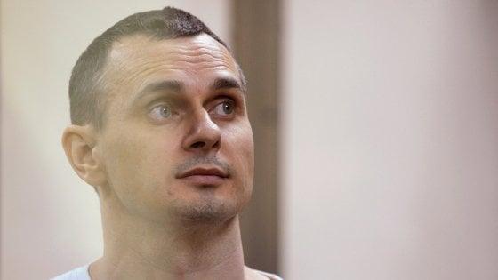"""Verso scambio prigionieri Russia-Ucraina: Kiev: """"Processo di liberazione del regista Sentsov in corso"""""""