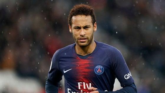 Mercato: Neymar deve rassegnarsi, resterà a Parigi. Fiorentina, colpo Pedro