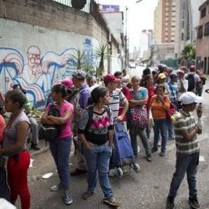 Venezuela, migliaia di migranti in Brasile in condizioni precarie nel Roraima: ogni giorno 600 nuovi arrivi