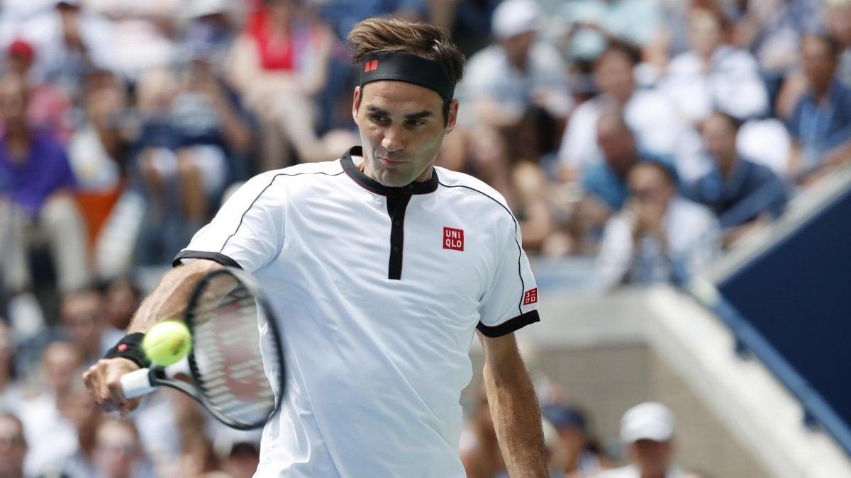 Tennis, Us Open: Djokovic abbandona agli ottavi. Federer e Serena Williams ai quarti, fuori Barty e Pliskova