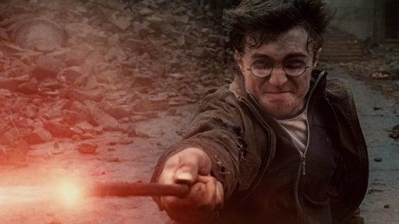 """Usa, i libri di Harry Potter rimossi da una scuola cattolica: """"Un consiglio degli esorcisti"""""""