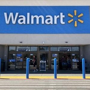 Walmart, stop alla vendita di munizioni dopo le sparatorie nei negozi