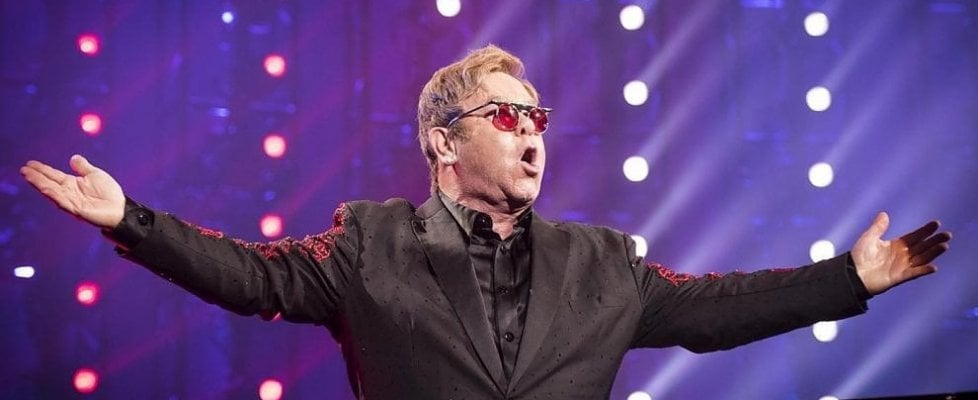Elton John, la Royal Mail gli rende onore sui francobolli
