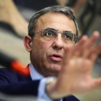 Sergio Costa ministro dell'Ambiente: confermato il generale che si è opposto alle trivelle