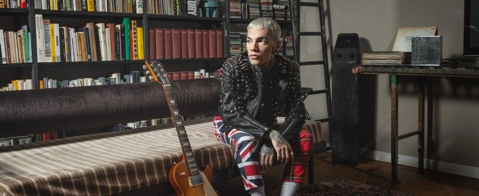 """'L'umore nero' di GionnyScandal, la sua trap 'emotiva' in un disco: """"Il cuore di questo nuovo album è la verità"""""""