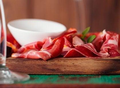 Tagliolini, formaggi e zuppa nella perfetta trattoria alpina