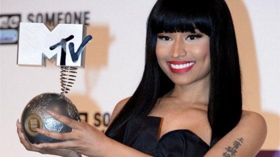"""Nicki Minaj annuncia: """"Lascio tutto per dedicarmi alla famiglia"""""""