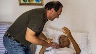 Mimmo Lucano torna a Riace: revocato il divieto di dimoraRepTv Con il padre malato
