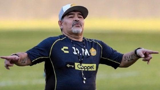Maradona torna in Argentina: è il nuovo allenatore del Gimnasia