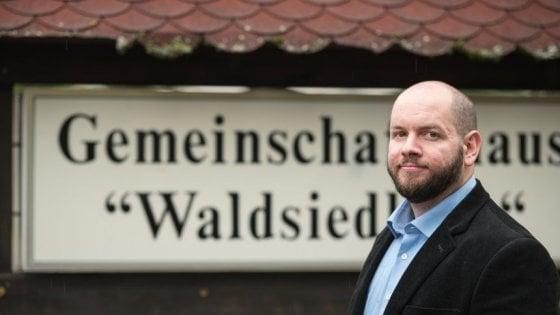 """Germania, a Altenstadt eletto sindaco neonazista: """"Sa utilizzare le email"""". Ma scoppia la bufera"""