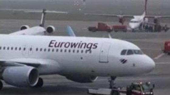 vendita ufficiale ultima moda rivenditore online Turbolenze in volo per il Lamezia-Berlino della Eurowings ...