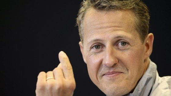 "F1, Michael Schumacher a Parigi per una cura ""top secret"""