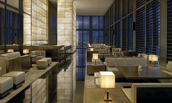 E gli hotel di lusso diventano il regno degli aperitivi
