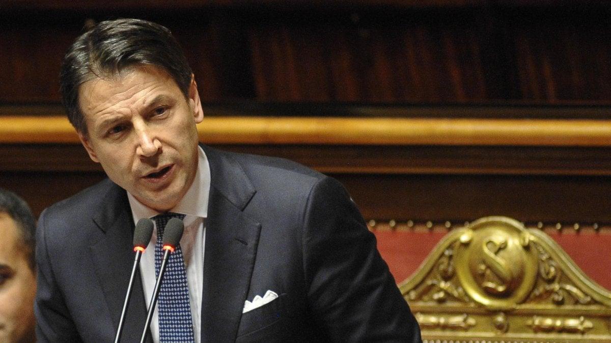 """Governo, il Senato vota la fiducia con 169 sì. Conte replica a Salvini: """"Arroganza da chi chiedeva pieni poteri"""". Il leader leghista: """"Siete minoranza"""""""