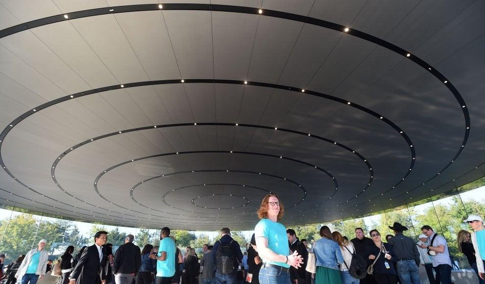 Apple, la sfida dei servizi: ecco Arcade per i videogiochi e Apple TV plus per lo streaming