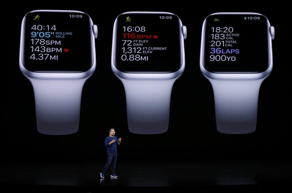 Apple, ecco il nuovo Watch 5, con 18 ore di autonomia