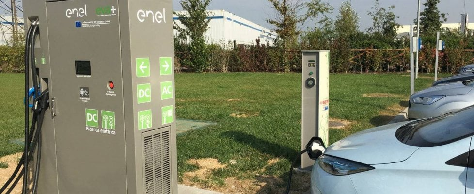 EVA+: sono 200 in Italia le super colonnine per le elettriche