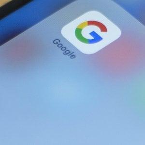 Google chiude il conto con il Fisco francese: versa quasi 1 miliardo