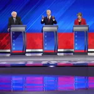Sanità, lavoro, immigrazione: tutti contro tutti al dibattito dei Dem Usa