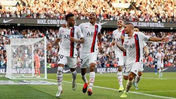 Francia, Neymar si riprende il Psg: magia nel recupero e Strasburgo ko. Esordio di Icardi