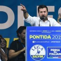 Salvini a Pontida, opposizione con i referendum: