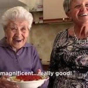 """""""Ecco come ho trovato e filmato le Pasta Grannies"""""""