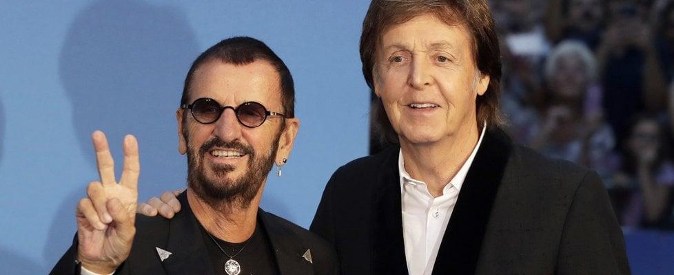 Paul McCartney e Ringo Starr insieme per cantare Lennon: e c'è anche Harrison...