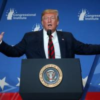 """La minaccia di Trump: """"Pronti a reagire agli attacchi contro Riad"""""""
