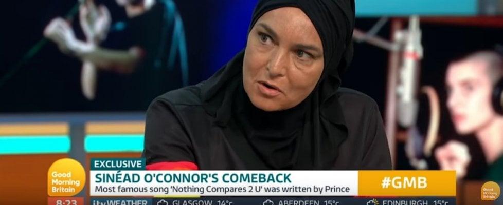 """Sinéad O'Connor: """"Prince una sera tentò di picchiarmi"""""""