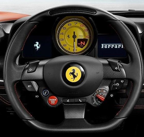 Il cavallino della Ferrari torna a casa