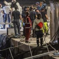"""Migranti, l'Ungheria attacca l'Italia: """"Pericoloso aver aperto i porti alla nave..."""