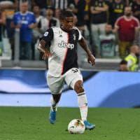 Juventus, Douglas Costa fuori un mese. Pjanic ci prova per l'Atletico