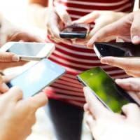 Cyberbullismo, sexting, adescamenti. Il decalogo di Telefono azzurro contro i pericoli...