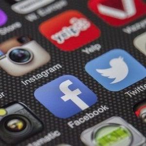 La Vigilanza ai giornalisti Rai: Assoluta imparzialità anche sui social personali