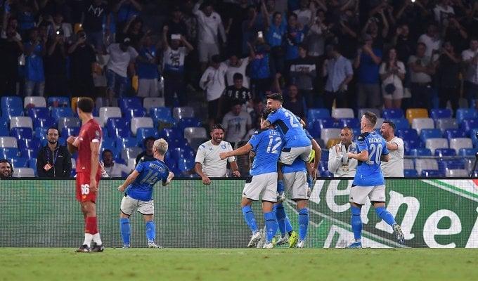 Napoli, notte da favola: Liverpool battuto 2-0