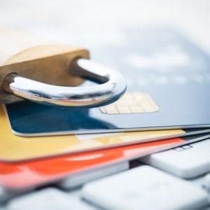 Banche: addio chiavette di sicurezza, ma salgono i costi. Come si difende il risparmiatore?