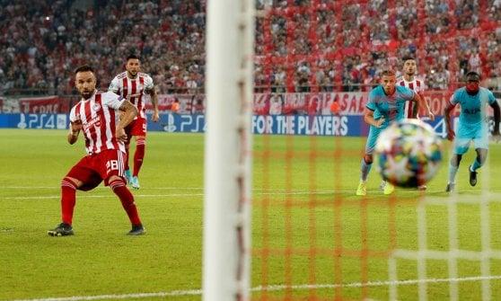 Champions League: il Real Madrid crolla a Parigi, Tottenham fermato dall'Olympiacos