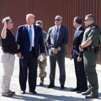 """Trump visita il confine tra Usa e Messico: """"E' ancora emergenza nazionale"""""""
