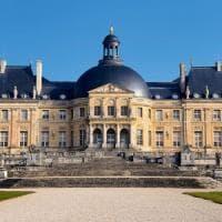 Francia, legano i proprietari e rapinano il castello di Vaux-le-Vicomte: bottino da due...
