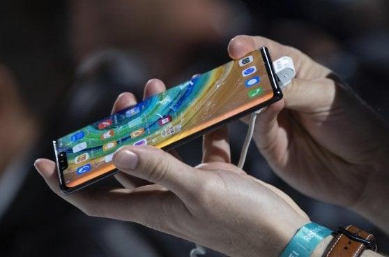 """Il Huawei Mate 30 monta Android, """"è il nostro sistema preferito"""""""