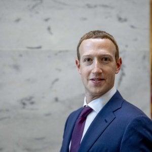 """Facebook, Zuckerberg rassicura Trump. Ma un senatore lo attacca: """"Non venderà Instagram e WhatsApp"""""""