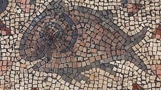 """I pani e i pesci: scoperto mosaico di 1500 anni fa """"sotto la cenere"""""""